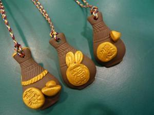 可愛的瓶安金兔項鍊